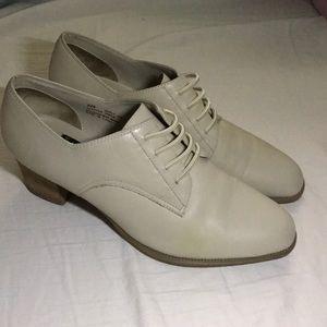 Areosoles vintage cream leather mock 1930s 8.5B